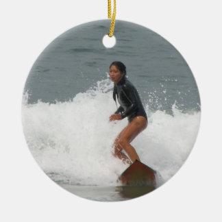 Het Surfen van het meisje Ornament