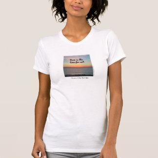 Het T-shirt van vrouwen, nu is de tijd voor art.