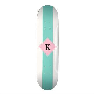 Het turkooise Roze Monogram van Strepen Skate Decks