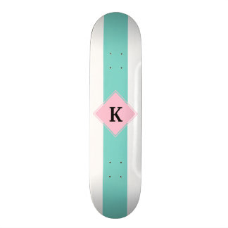 Het turkooise Roze Monogram van Strepen Skateboard