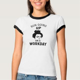 Het Uitgaan van het broodje op een Werkdag T Shirt