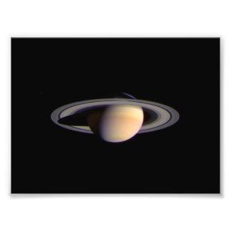 Het Uitzicht van Cassini van RuimteNASA van Saturn Foto Prints