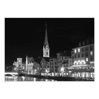 Het uitzicht van de nacht van Zürich Foto Afdrukken