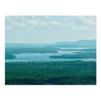 Het Uitzicht van het meer en van de Berg Briefkaart
