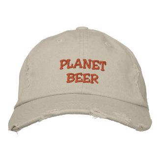 Het Verontruste Pet van de planeet Bier (Steen) Geborduurde Pet