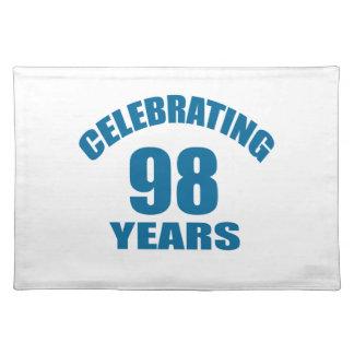 Het vieren het Design van de Verjaardag van 98 Placemat
