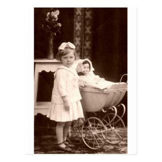 Het vintage Kind van de Foto met Kinderwagen Briefkaart