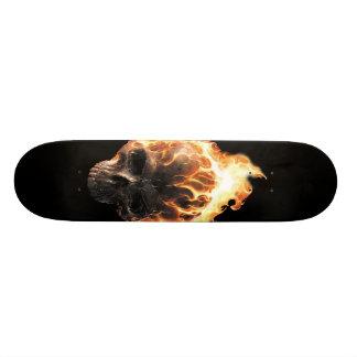 Het vlammende Skateboard van de Schedel