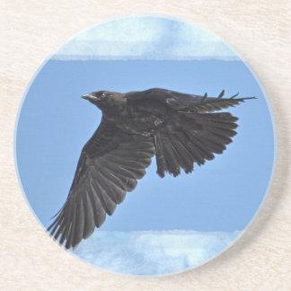 Het vliegen de Moderne Kunst van de Raaf in Blauw Zandsteen Onderzetter