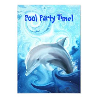Het vriendschappelijke Spelen van de Dolfijn in de Kaart