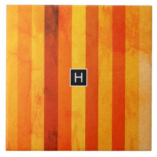 Het warme Doorstane Oranjerode Monogram van Keramisch Tegeltje
