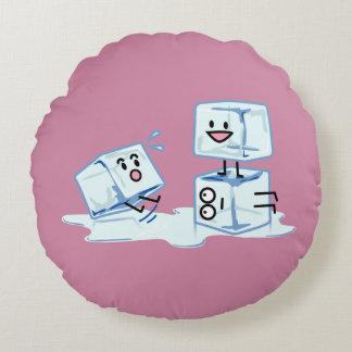 het water van de ijsblokjes de ijzige kubus het rond kussen