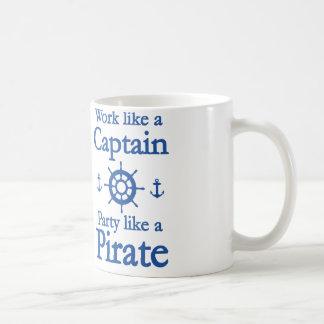Het werk zoals een Kapitein Party zoals een Piraat Koffiemok