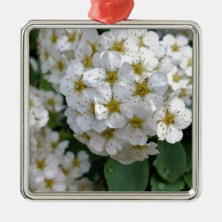 Het witte bloemen gloeien zilverkleurig vierkant ornament