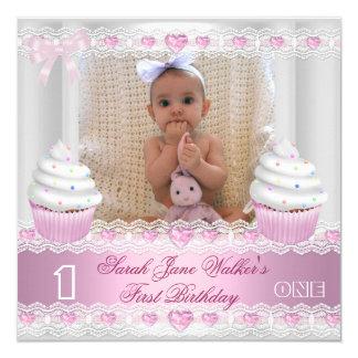 Het Witte Roze Cupcake Baby van het eerste Meisje 13,3x13,3 Vierkante Uitnodiging Kaart