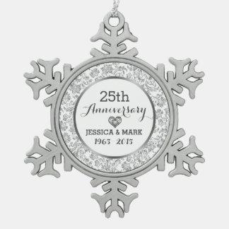 Het witte & Zilveren 25ste Jubileum van het Tin Sneeuwvlok Ornament