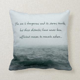 Het zee is het Gevaarlijke Hoofdkussen van het Sierkussen