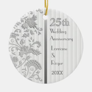 Het zilveren BloemenJubileum van het Huwelijk Rond Keramisch Ornament
