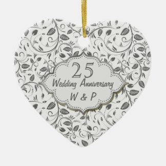 Het zilveren Jubileum van het bladeren vijfentwint Keramisch Hart Ornament