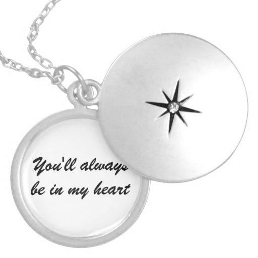 """Het zilveren Medaillon zal """"u altijd in mijn hart"""