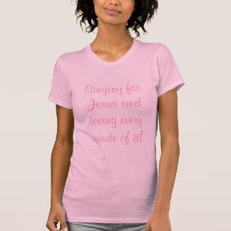 Het zingen voor Jesus en het houden van van elke T Shirt
