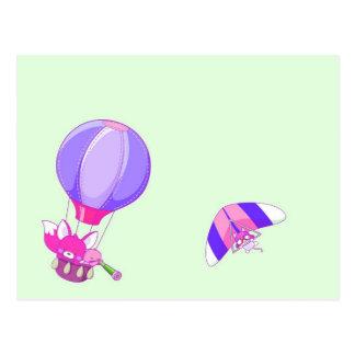 Hete luchtballon op pastelkleur groene achtergrond wenskaart