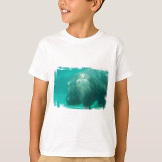 Hippo onder de T-shirt van de Jeugd van het Water