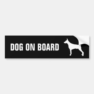 Hond aan boord van autosticker bumpersticker