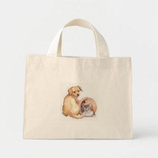 hond en kat in een mand mini draagtas