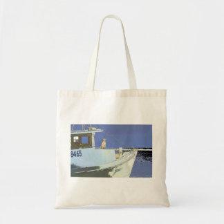 "hond zitting op het dek van shrimpboat ""James "" Draagtas"