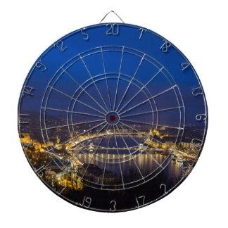 Hongarije Boedapest bij nachtpanorama Dartbord