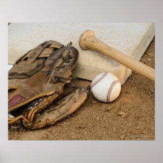 Honkbal, Mitt, en Knuppel op Basis Poster