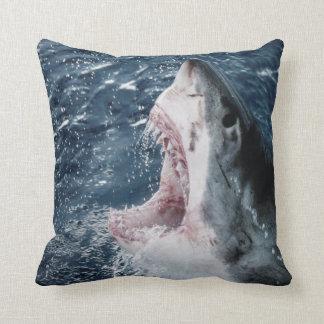 Hoofd van Grote Witte Haai Sierkussen