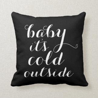 Hoofdkussen | Baby het is Koude Buitenkant - Sierkussen