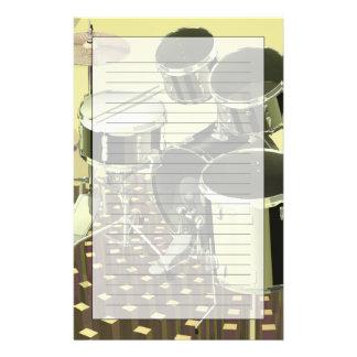 Hoog hoekuitzicht van een trommeluitrusting briefpapier