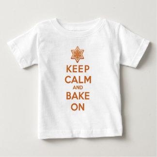 Houd Kalm en bak Baby T Shirts