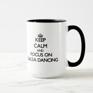Houd Kalm en concentreer me bij het Dansen Salsa Mok