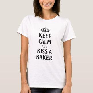 Houd kalm en kus een bakker t shirt