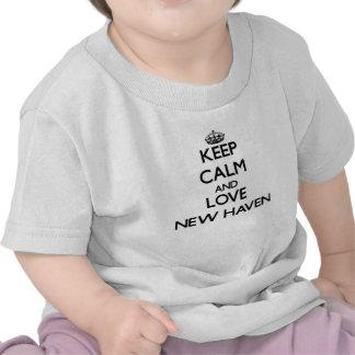 Houd Kalm en liefde New Haven T Shirts