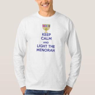 Houd Kalm en steek Menorah aan T Shirt