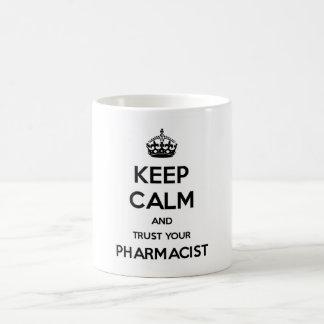 Houd Kalm en vertrouw op Uw Apotheker Koffiemok