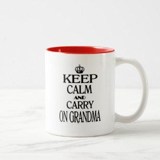 Houd Kalm en vervoer Oma Tweekleurige Koffiemok