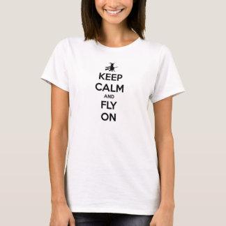 Houd Kalm en vlieg op Zwarte op Wit T Shirt