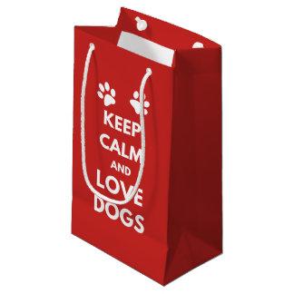 Houd kalme en liefdehonden klein cadeauzakje