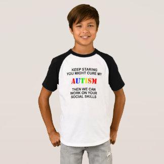Houd starend de T-shirt van het Autisme