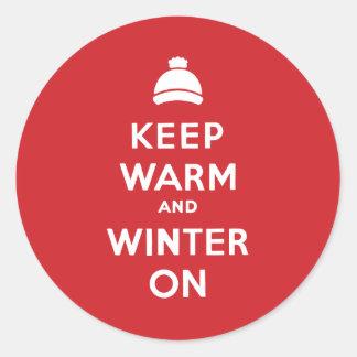 HOUD WARM EN DE WINTER RONDE STICKER