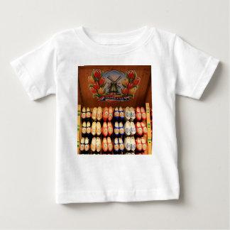Houten geschilderde belemmeringen, Holland 2 Baby T Shirts