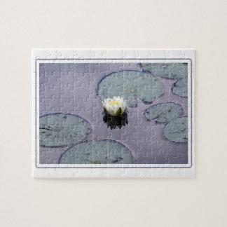 Humeurige Waterlelie met Grens Puzzel