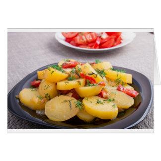 Hutspot van aardappels met ui, groene paprika, wenskaart