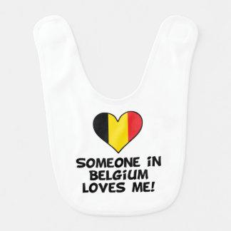 Iemand in België houdt van me Baby Slabbetje